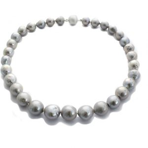Nuclet Baroc Perlen Collier in elegantem Silbergrau